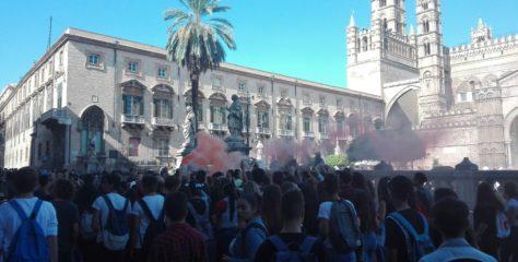 """Scuola. M5S: """"Protesta studenti è sacrosanta"""""""