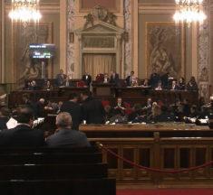 """M5S: """"Vitalizi, siamo alla farsa. Taglio ridicolo e solo per tre anni: è una truffa per i siciliani"""""""