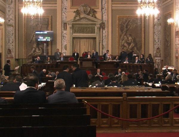 """Vitalizi, M5S all'Ars: """"Micciché a Roma avrà sbagliato citofono, l'impugnativa del Cdm è la conferma che la legge-truffa dell'Ars era inaccettabile. Ora rimedi per non fare pagare il danno ai siciliani"""""""