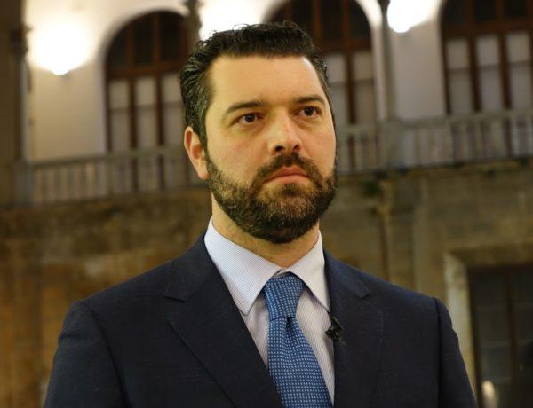 """Obiettori di coscienza, la denuncia di De Luca (M5S), che presenterà un accesso agli atti in tutte le province siciliane: """"Dati allarmanti. Occorre un Albo regionale"""""""
