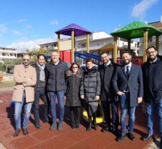Restituzioni M5S: Deputati Ars donano parco giochi in quartiere periferico a Favara